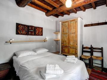 Standard Room milia hotel, milia eco retreat, milia traditional village, milia alternative tourism chania crete, milia vlatos crete, milia eco friendly hotel, milia restaurant, milia events exhibition, agrotourism crete, milia mountai retreat chania, best ecolodge crete, back to basics hotel