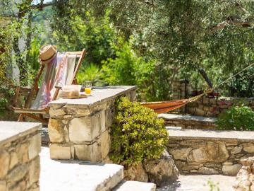 Natalia's Houses, Natalias Cottages, Natalias apartments, Natalias Hotel Douliana village apokoronas, Natalia's House chania crete, small inn in countryside chania, hotel  is mountain village chania, best houses in chania apokoronas, warm hospitality chania hotel