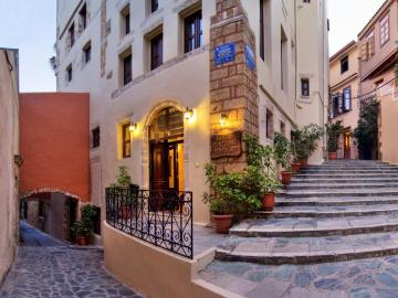 Porto del colombo hotel chania, porto del colombo traditional boutique hotel, French embassy building 19th century, house of Eleftherios Venizelos 1905-1910, reasonable hotel old town chania, quiet hotel old town chania, hotel nearby chania venetian port