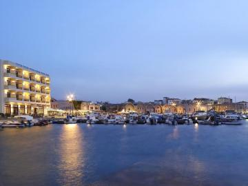 porto veneziano hotel, porto venetian hotel, porto veneciano hotel, hotels in chania, hotels in chania centre, seaside hotels, chania town hotels, chania old harbour hotels, chania seaside hotels, accommodation crete,Crete Accommodation, crete hotels